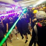 香港警察の発砲が続く『香港デモ』日本では報道されない事実